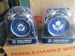 WINNIPEG JETS AND TORONTO MAPLE LEAFS CLOCK. Cornwall Ontario image 1