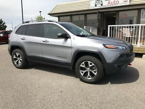 2016 Jeep Cherokee Trailhawk, ONLY 17,000 KM'S