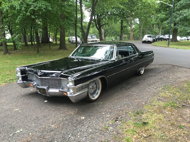 Image 11 of Cadillac: DeVille Black
