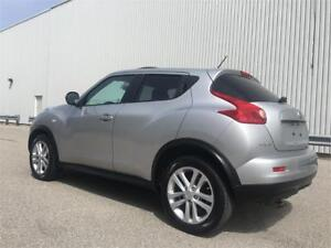 2011 Nissan JUKE SL-Leather/Sunroof/Navigation/B u Camera