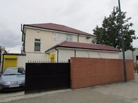 3 Double Bedroom Flat - Zone 4 - Fully Furnished - Available Now