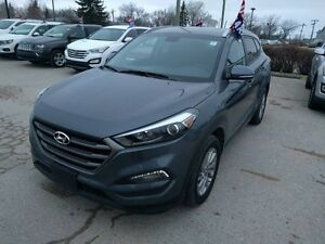 2016 Hyundai Tucson AWD 2.0L Premium Heated Front and rear Seats