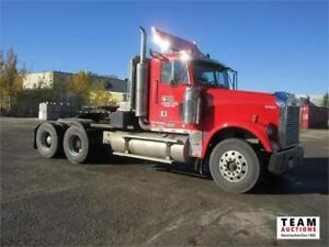 2005 Freightliner Day Cab T/A Highway Tractor