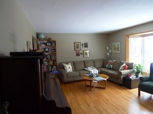 Lovely Family Home in Camrose Edmonton Edmonton Area image 7