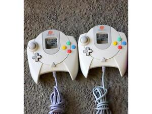 2 Dreamcast Controllers