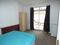 >>>NO FEES<<< Double room 5mins by walk to Redbridge Tube Station<<