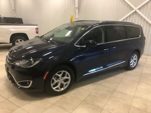 2017 Chrysler Pacifica Touring-L Plus *DVD*8 PASS*A/C 3 ZONES*NA
