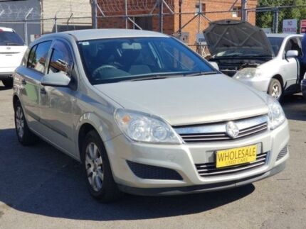 2008 holden astra ah my08 cdx silver 4 speed automatic wagon cars 2008 holden astra ah my08 cd gold 4 speed automatic hatchback fandeluxe Image collections