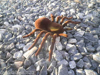 er Tarantula Fake Prank Brown Tan Halloween Prop Flocked New (Fuzzy-spider)