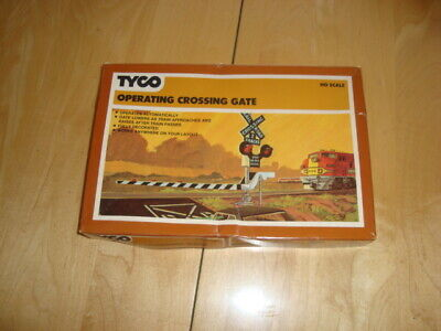 Vintage TYCO CROSSING GATE HO SCALE 908:600 MODEL TRAIN SET (Part only)