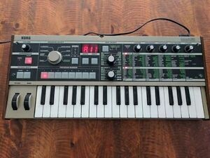 Korg microKorg with Carrying Case