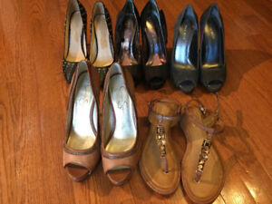 5 PAIRS OF SHOES, SIZE 7 AND 7.5, HIGH HEELS & SANDALS
