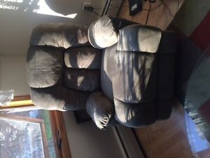 Seige lounge;  Large lazy boy chair