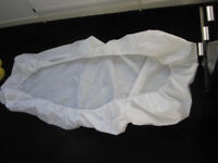 Single bed mattress protector - white