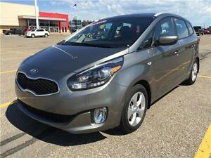 2016 Kia Rondo LX (only 7500 kms)