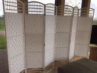 ROOM SCREEN/DIVIDER - WHITE WICKER - NEW AND UNUSED