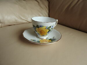 Teacup/saucer - Yellow Rose