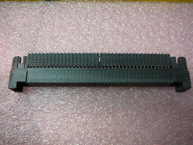 AMP 646243-8 Connector Backplane 160 Position Solder Right Angle Thru-Hole NEW