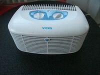 Vicks V-9071 HEPA Air Purifier