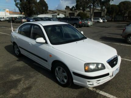 2005 Hyundai Elantra XD MY05 FX 2.0 HVT White 5 Speed Manual Sedan Maidstone Maribyrnong Area Preview