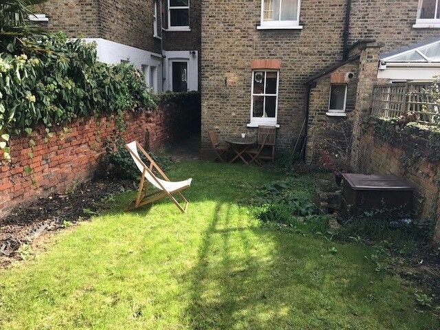 Ground Floor 2 bedroom garden flat! Asap move!