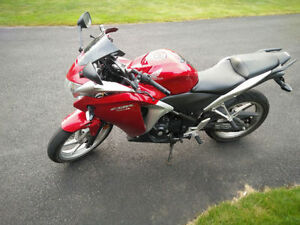 2011 Honda CBR 250R. *Well Maintained* *Upgrades**