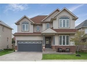 Don't miss this house in Kiwanis Park/River Ridge neighbourhood