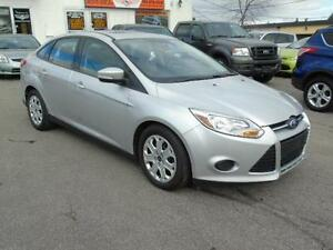 2014 Ford Focus SE  SIUNROOF /HEATED SEATS