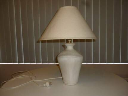 Table lamp pottery