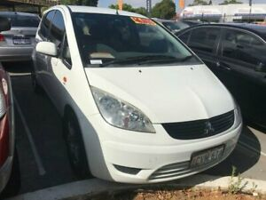 2008 Mitsubishi Colt RG MY08 ES White 5 Speed Manual Hatchback St James Victoria Park Area Preview