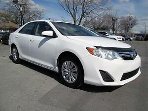 2013 Toyota Camry LE  BLANC AUTOMATIQUE A/C CRUISE 59,900KM