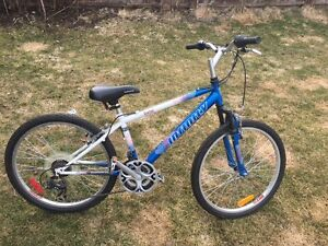 girls bike in like new condition