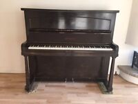 Attractive Stahl Upright Piano