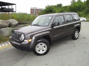 2016 Jeep PATRIOT Sport FRONT WHEEL DRIVE (ONLY 27000 KMS, AUTOM