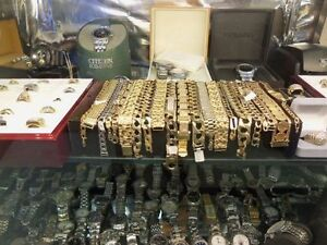 Jewellery, rings, chains, charms, gold, silver, bracelets.
