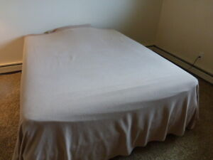 Great queen-size bed!