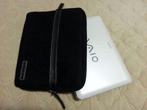 "Sony VAIO VPCM111AX 10.1"" 2GB 250GB Netbook White"