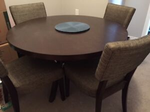 *New Price* Dining room table and four chairs - $125