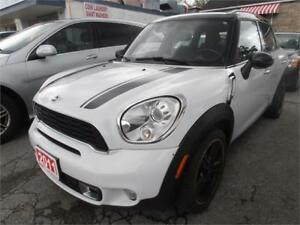 2011 Mini Cooper  S Countryman Sunroof  White Only 95,000Km