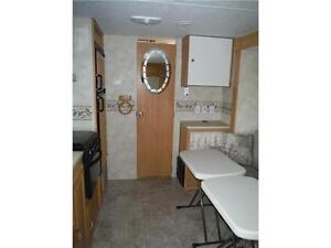 2007 Palomino T21FBSL Ultra Lite Travel Trailer with slideout Stratford Kitchener Area image 9
