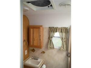2007 Palomino T21FBSL Ultra Lite Travel Trailer with slideout Stratford Kitchener Area image 13