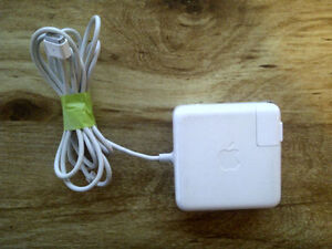 Genuine 60w Magsafe 1 Apple Macbook Charger A1330, $15