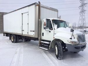 2012 International 4300 4x2, Used Dry Van Regina Regina Area image 2