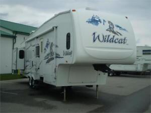 Used 2008 Wildcat 32 QBBS 5th Wheel