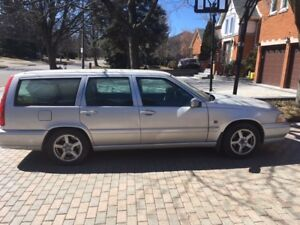 1999 VOLVO V70 WAGON - SOLD AS IS $1000 FIRM