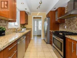 3 bdr 1 bth for rent, at Port Union Rd and Lawrence Ave East