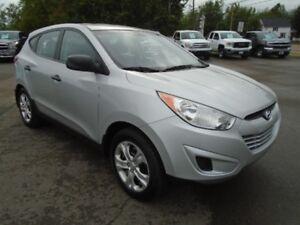 2012 Hyundai Tucson AWD!!! HEATED SEATS!! Blueooth!!
