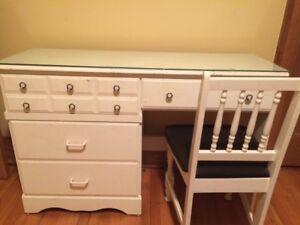 White Vanity/Desk with chair
