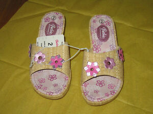 Girl's Shoes Floral Wedge - Size 2 (New)
