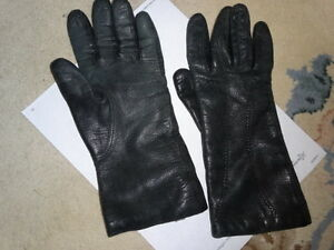 LADY  LEATHER GLOVES;  lined ,  size 8,  sturdy, well made, warm